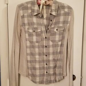 The most comfy grey checkered shirt